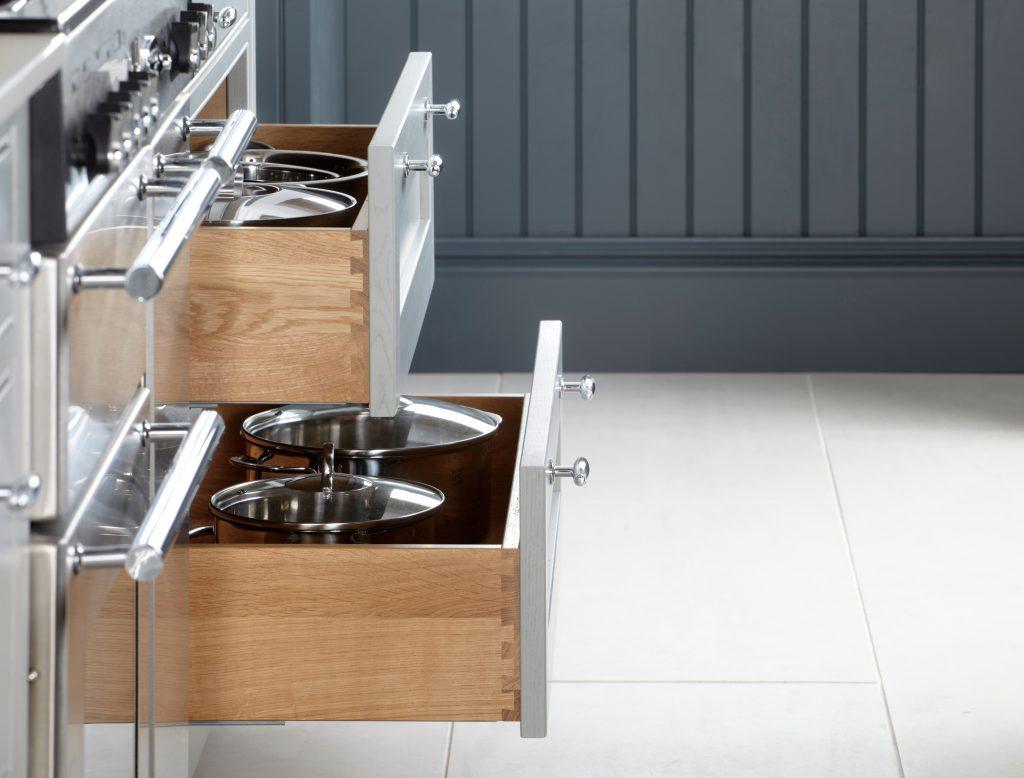 Dovetail Oak Drawers - Doug Farleigh Kitchens
