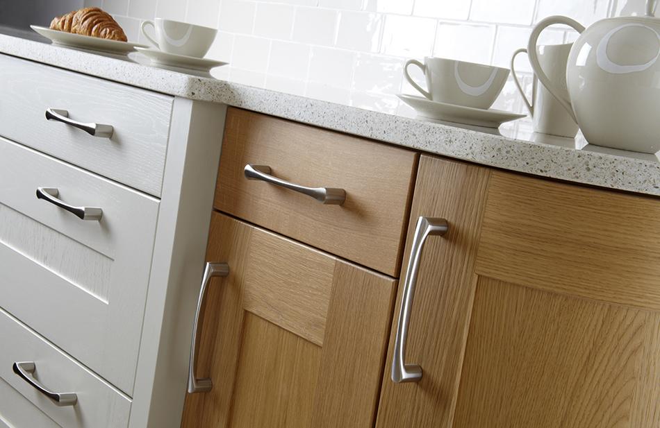 Lansdowne oak and mussel - Doug farleigh kitchens