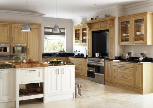 In-frame Traditional Oak Kitchen - Doug Farleigh Kitchens