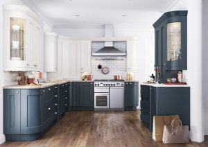 Curved Traditional Kitchen - Doug Farleigh Kitchens