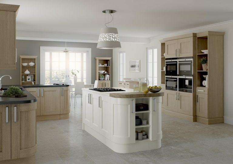 Oak and Cream Shaker Kitchen - Doug Farleigh Kitchens