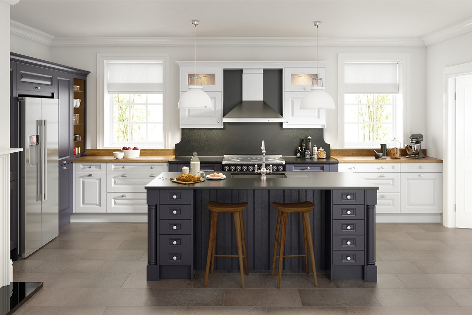 Period Painted Oak Kitchen - Doug Farleigh Kitchens