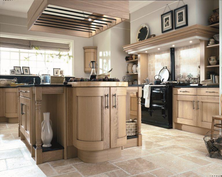 Traditional Oak Kitchen - Doug Farleigh Kitchens