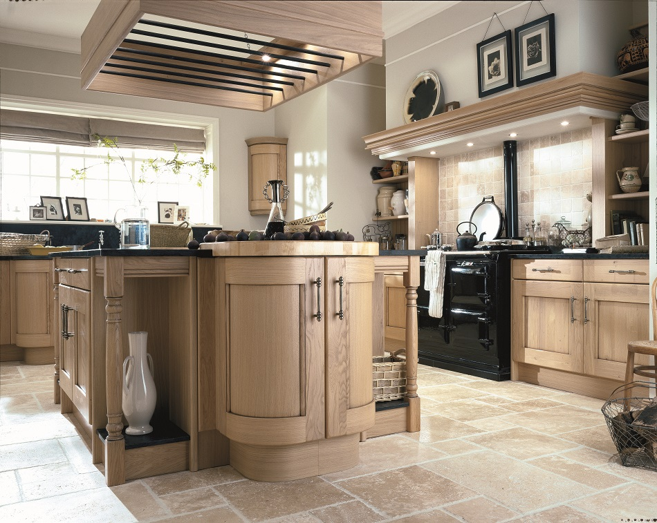 Traditional Oak Kitchen - Doug Farleigh Kitchens
