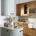 Solid Oak Shaker Kitchen - Doug Farleigh Kitchens