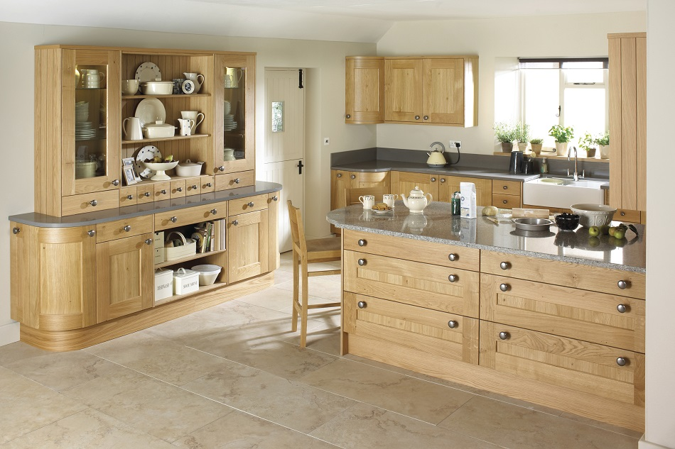 Erin Shaker Oak Kitchen - Doug Farleigh Kitchens