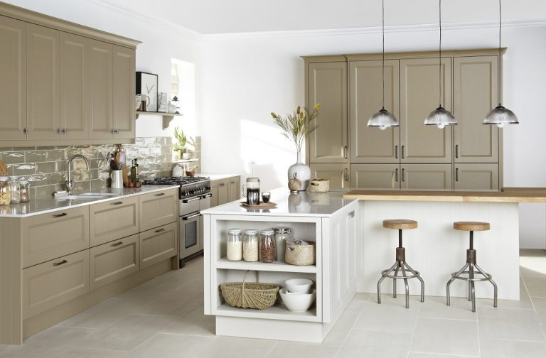 Painted Shaker Kitchen - Doug Farleigh Kitchens