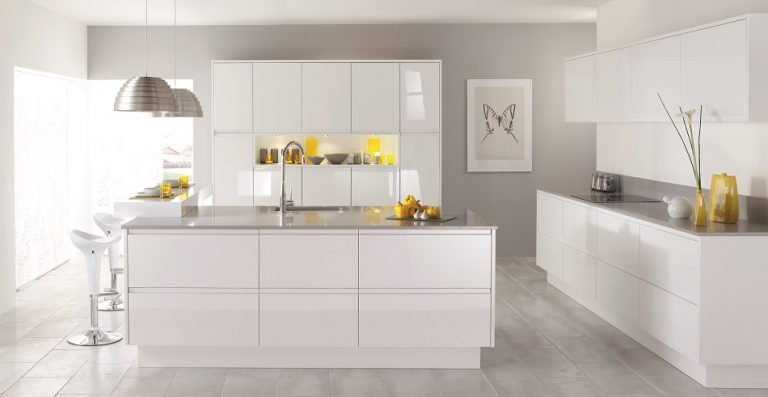 Gloss White Kitchen - Doug Farleigh Kitchens